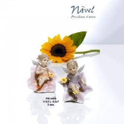 Fatina seduta su fiore porcellana NAVEL